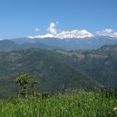 View from Nalma, snow Capped Annapurna Range — Stock Photo