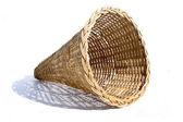 枝編み細工品バスケット円錐形 — ストック写真