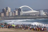 Crowd gathered on Beach in Durban South Africa — Stock Photo