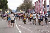 Spectators Watching Runners Pass at Comrades Ultra Marathon — Foto Stock