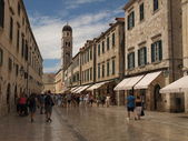 The main road from squere to port in Dubrovnik old centre. — Stock Photo