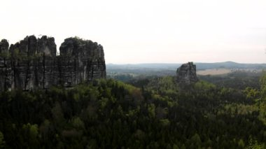 Spring misty evening in atractive nature rock empire park Saxony Switzerland. — Stock Video