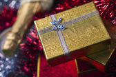 Gift Box and Champagne — Stockfoto