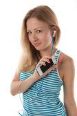 Chica con auriculares escuchando música — Foto de Stock