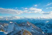 Alplerde yol — Stok fotoğraf
