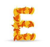 Vector autumn leaves font, letter E — Vector de stock