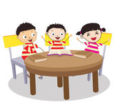 A Small Group of Kids Open Book and learning — Stock Vector