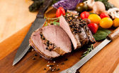 Sliced Beef Roast with Crashed Peppercorns and Vegetables — Stock Photo