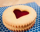 Shortbread Cookies with Heart Shaped Window — Stock Photo
