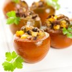 Heirloom Kumato Tomatoes Stuffed with Ground Beef and Vegetables — Stock Photo