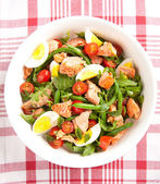 Green Bean Salad with Boiled Eggs, Salmon, Tomatoes and Arugula — Stock Photo