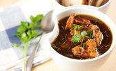 Суп с свекла и грибы Лисички — Стоковое фото
