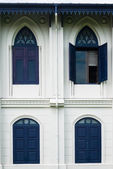 Opened Thai blue windows — Stockfoto