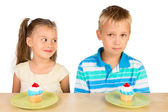 Kids and Cupcakes — Stock Photo