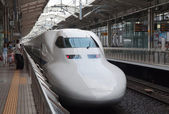 KYOTO, JAPAN - AUGUST 14: Shinkansen train waits for departure ar rail terminal in Japan on August 14, 2012. — Stock Photo