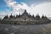 Heritage Buddist temple Borobudur complex in Yogjakarta in Java — Stock Photo