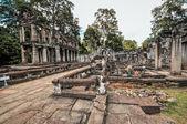 Ancient buddhist khmer temple in Angkor Wat complex, Siem Reap C — Stok fotoğraf