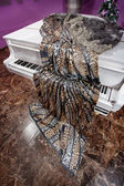 Tissue lies on the piano — Stock Photo