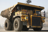Big yellow mining truck — Foto Stock
