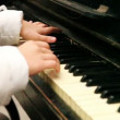 Old piano still sounds: pianist hands right side shot — Stock Video