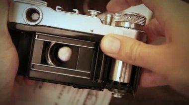 Old film reporteurs shutter mechanism work — Stock Video