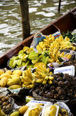 Floating Market ( Damnoen Saduak ) In Thailand — Stock Photo