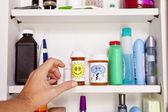 药品柜 — 图库照片