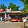 Antique General Store on Route 66 with Retro Vintage Pumps — Stock Photo