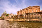 Isla de los museos (museumsinsel) en berlín — Foto de Stock