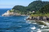 Rugged Oregon Coast with Lighthouse — Stock Photo