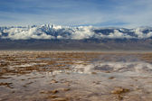 Mountain view from bad water basin, death valley — Stock Photo