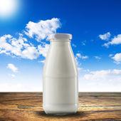 Bottle of milk — Stockfoto