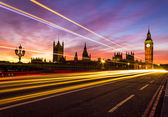 Westminster and light trail — 图库照片