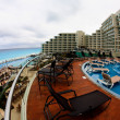 stranden på ett luxury beach resort i Cancún — Stockfoto