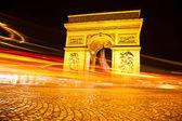 De arc de triomphe in parijs — Stockfoto