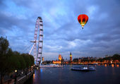 The London Eye and Big Ben — Stock Photo
