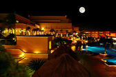 A luxury all inclusive beach resort at night — 图库照片