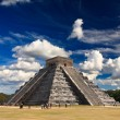 the temples of chichen itza temple in mexico — Stock Photo