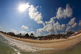 The beach front at a luxury beach resort in Cancun — Stock Photo