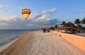 A luxury all inclusive beach resort — Stock Photo