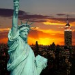 The Statue of Liberty and New York City — Stock Photo