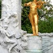 The Statue of Johann Strauss in Stadtpark in Vienna — Stock Photo #29387931
