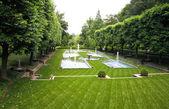 Een italiaanse tuin ontwerp in een botanische tuin — Stockfoto