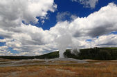 The Old Faithful Geyser in Yellowstone — Stock Photo
