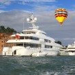 A luxury yacht — Stock Photo