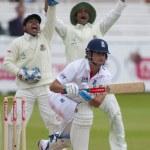 Постер, плакат: Cricket England vs Bangladesh 1st test day 3 Alaistair Cook Mohammad Mahmudullah