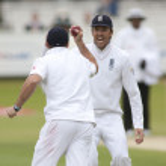Постер, плакат: Cricket England vs Bangladesh 1st test day 3 Andrew Strauss Shakib Al Hasan
