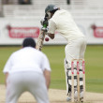 Постер, плакат: Cricket England vs Bangladesh 1st test day 3 Shakib Al Hasan Andrew Strauss
