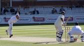 Cricket. engeland vs bangladesh 1ste dag van de test 3. johnathon trott — Stockfoto