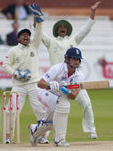 Cricket. England vs Bangladesh 1st test day 3. Alaistair Cook, Mohammad Mahmudullah — Stock Photo